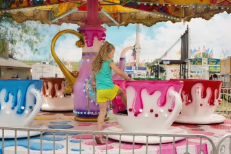 tea cup ride pixabay